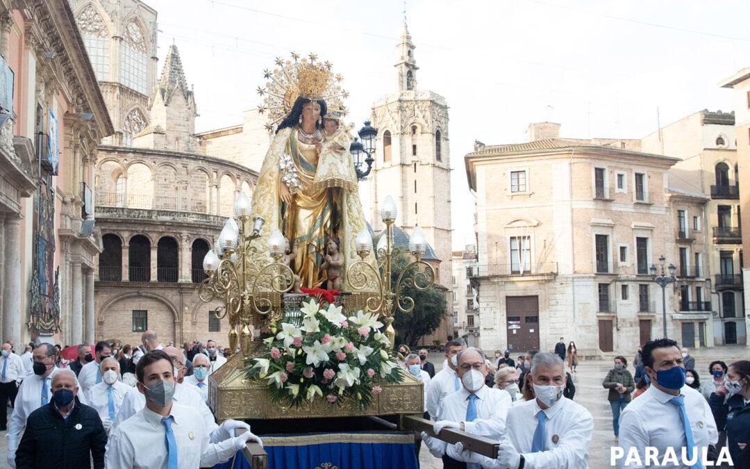 El mejor amanecer en un domingo: Rosario a las 7 de la mañana con la Mare de Déu Así fue el Rosario de la Aurora del primer domingo de mayo