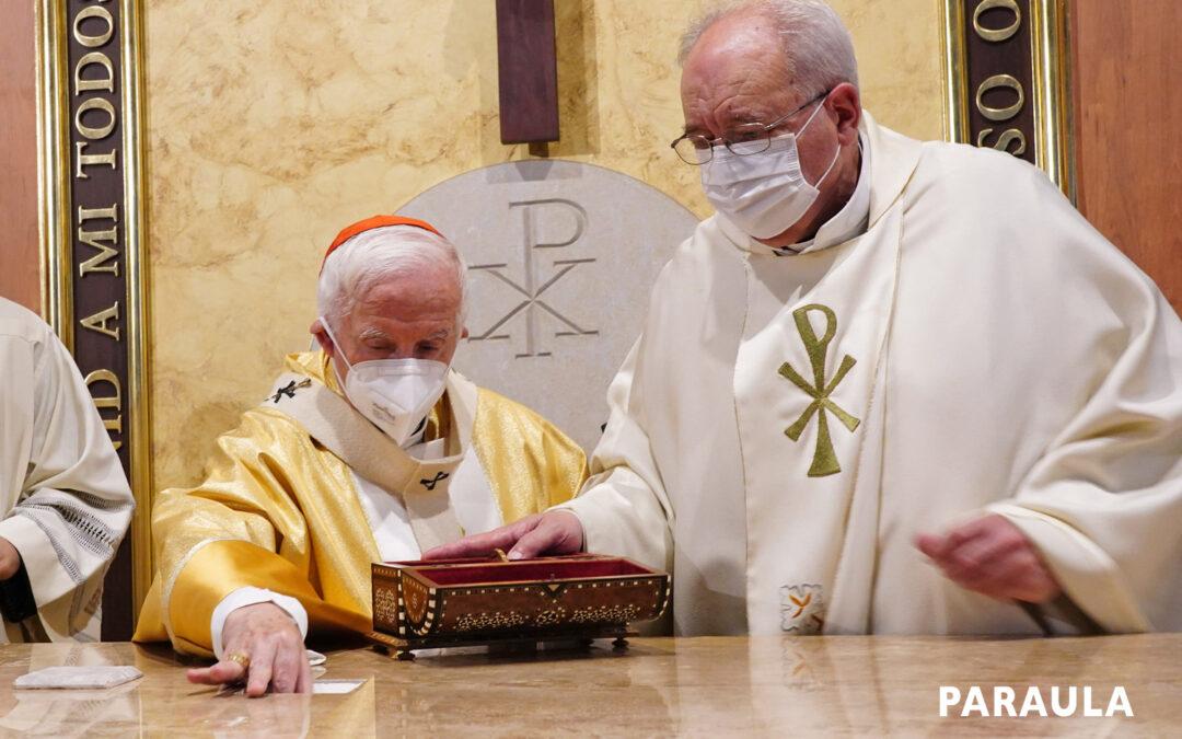 Después de 64 años, la parroquia de Santa Ana consagra su altar El Arzobispo también dedicó el templo
