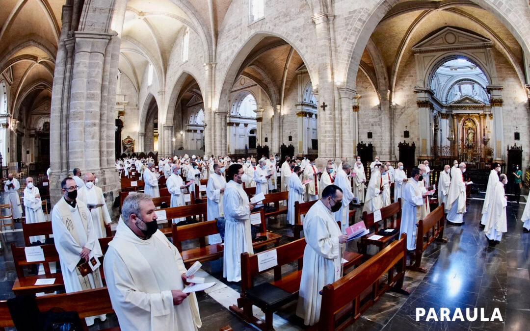 """Card. Cañizares: """"Necesitamos más sacerdotes santos"""" Coincidiendo con la solemnidad de Jesucristo Sumo y Eterno Sacerdote, la diócesis de Valencia rindió homenaje a los presbíteros que celebran este año sus bodas de oro y plata sacerdotales"""