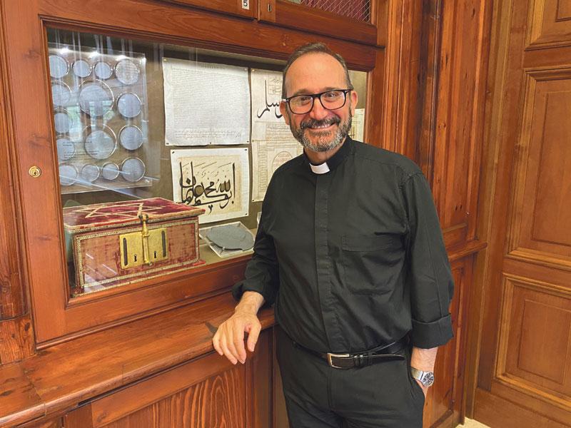 «Trabajar en la Santa Sede es un sacrificio, un servicio que uno hace por amor a la Iglesia» Alejandro Cifres, director del archivo de la Congregación para la doctrina de la Fe, que deja la Santa Sede después de 30 años