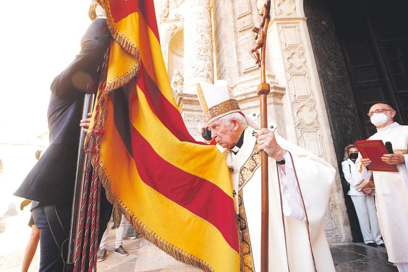 El Cardenal pide que el Te Deum vuelvaa los actos oficiales del 9 de Octubre Durante la misa capitular para conmemorar la dedicación y consagración de la Seo