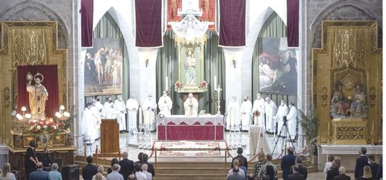 Gandia abre el Año Jubilar dedicado a su hijo más ilustre: san Francisco de Borja La Colegiata acoge la misa solemne y se abren las Puertas Santas de este templo y del de los Jesuitas